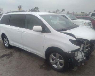 Salvage White 2015 Toyota Sienna