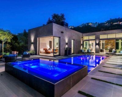 Hollywood Hills Luxury Zen Style Retreat, Los Angeles, CA