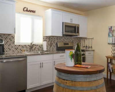 THE Wine Barrel - The Westside Cottages - Paso Robles
