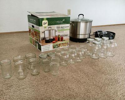 Freshtech Water Bath Canner and MultiCooker plus 23 Mason Jars