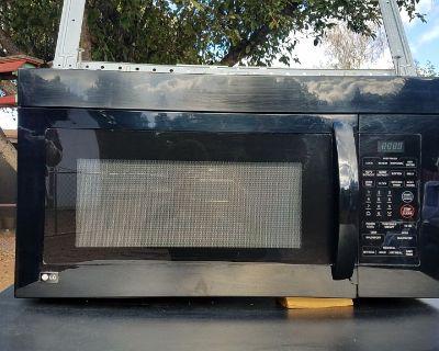 LG Microwave above stove unit.. Like new, black