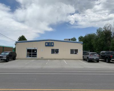 Industrial / Retail Space For Lease