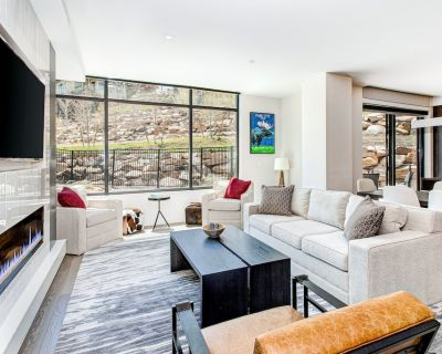 Ski-In/Ski-Out Escape w/ Fast WiFi, Shared Pool, Hot Tub, Fitness Room, & Views - Park City