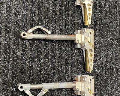 Robart struts and Pneumatic retracts gear