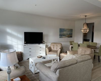 Newly renovated huge townhouse in Five Points - Villages of Five Points