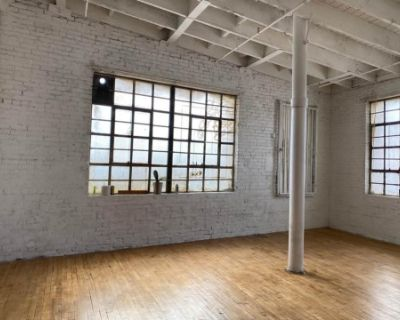 Downtown Warehouse with Brick walls and Wooden Floors, Los Angeles, CA