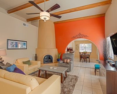 Turtlehouse - Quiet Neighborhood, minutes from hiking trails/ great restaurants! - Oso Grande