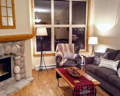Centrally Located 3 Level, 3 Bedroom pet Friendly Townhome With Private hot tub - Sun Peaks