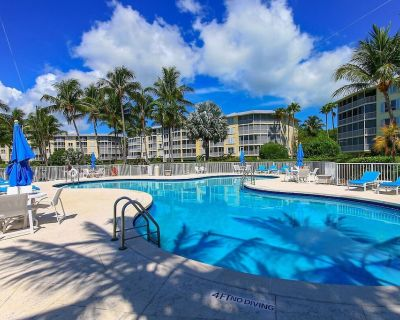 Lazie Hazie - Come and relax at this secluded condo. Within the unit you can enjoy the beautiful - Islamorada