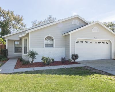 Completely renovated, very private 4 bed / 2 bath home 10 minutes from Disney! - Four Corners