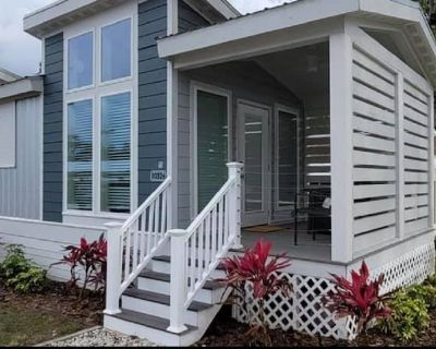 The Oasis House - Lakeside Tiny Home Near Orlando - Clermont