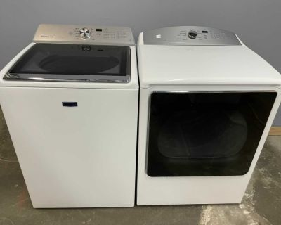 Like New Washer and Electric Dryer Set