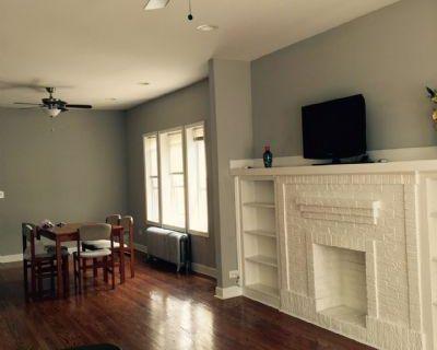 N. Kildare Cook, IL 60630 3 Bedroom Apartment Rental