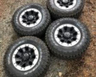 OEM 75th Anniversary Beadlock Wheels and Tires with TMPS only 250 miles