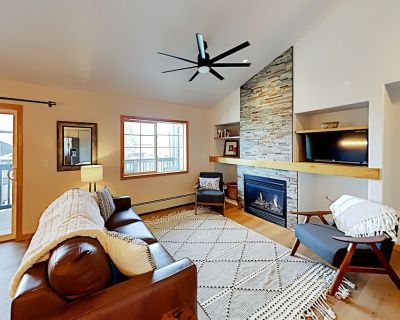 Top Floor, Corner Condo 5 Minutes to Steamboat Lifts w/Private Gas Grill & W/D - Steamboat Springs