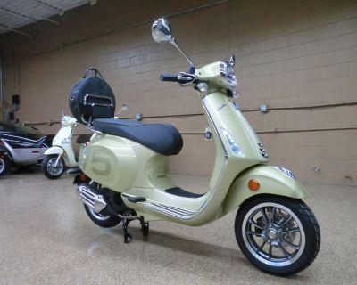 2021 Vespa Primavera 150 75th Scooter Downers Grove, IL