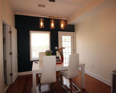 Single-family home Rental - 2316 Nicholson St SE