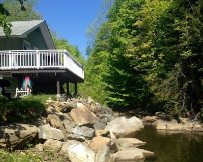 1 Mile To Mount Snow, waterfront, Mt. Views, gas grill, deck, shuttle +canoe - West Dover