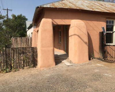 Casa de San Pasquale, 1800s restored terones adobe - Old Town Albuquerque
