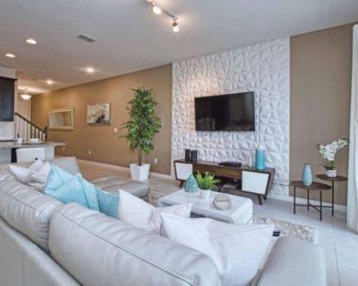 Solara Resort 5 bedrooms/ 3 suites - Four Corners