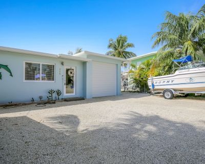 Canalfront, Dog-Friendly Home with High-Speed WiFi, Private Boat Ramp, and Kayak - Indian Waterways