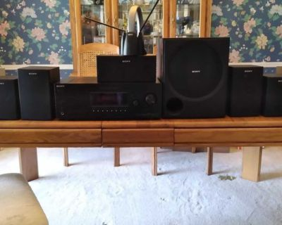Sony Home Stereo System with Receiver, Remote, Subwolfer, 7 Speakers and Antenna