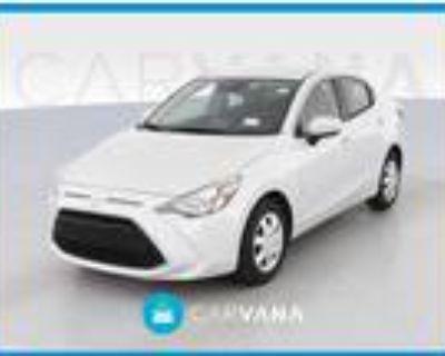 2019 Toyota Yaris White, 53K miles