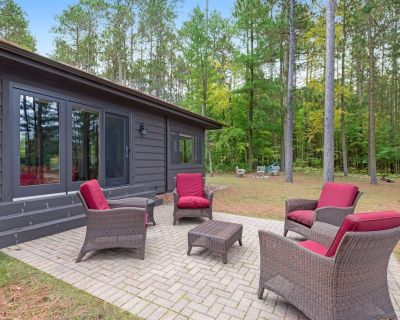 Lakefront home on Discovery Center grounds w/ dock, kayaks & canoes - Manitowish Waters