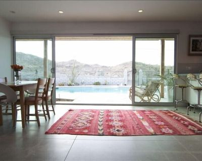 Renovated Palm Springs Retreat: 3 Bed 2 Bath, Private Pool, Amazing View - Cathedral City Cove