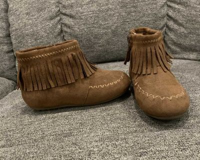 Size 10 girls booties