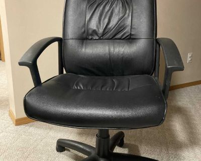 Free Faux Leather Office Chair
