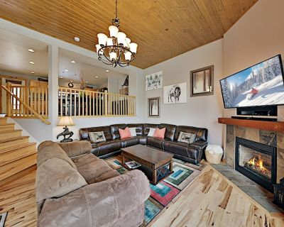 Luxe Bear Hollow Village Retreat | Private Hot Tub & Garage | On-site Pool - Bear Hollow Village