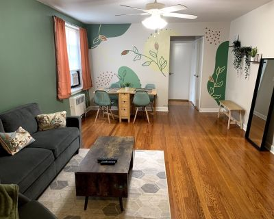 Large condo near NYC King Bed Pets welcome - Bayonne