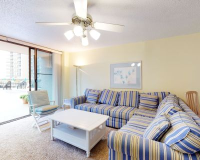 1st floor Sea Colony condo w/ shared gym, tennis court, and elevator - Bethany Beach