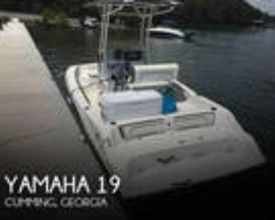 19 foot Yamaha 19