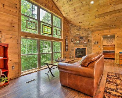 Butler Cabin on 19 Acres w/ Hot Tub & Fire Pit! - Butler