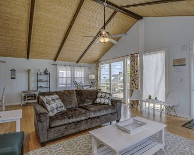 Updated Furnishings, SLEEPS 13, 3BR 2BA Classic OC Apartment. Bay View. Quiet Street. Near action - Ocean City