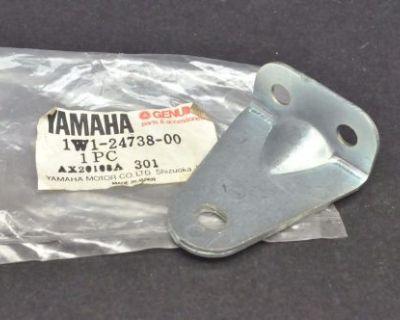 Nos New Yamaha It250 It400 It425 It465 Yz250 Yz400 Yz465 Yz490 Rear Seat Bracket