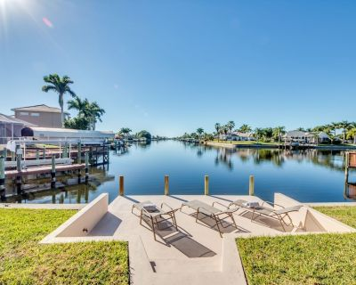 Great water views, large pool deck, house with pool table and lots of comfort - Pelican