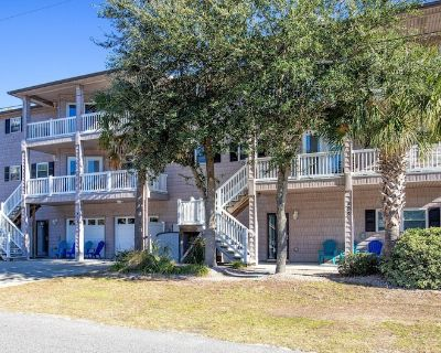 Family Beach House - Owner Operated, Salt Water Pool, Elevator, Game Room - Crescent Beach