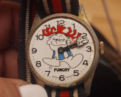 Punchy vintage watch $50