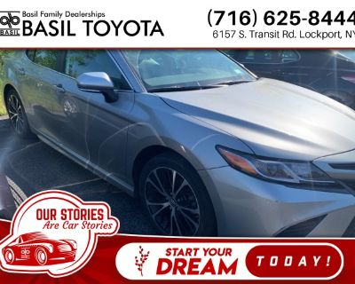 Pre-Owned 2019 Toyota Camry SE With Navigation