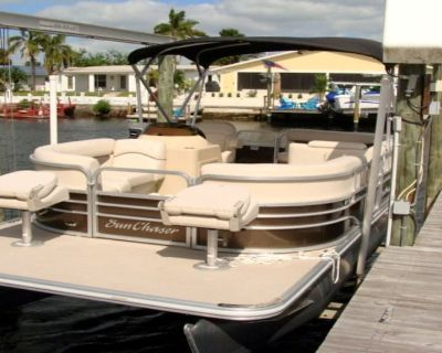 BOOK EARLY, FREE Boat, Heated Pool, bikes, kayaks, grill and WIFI - Gulf Harbors