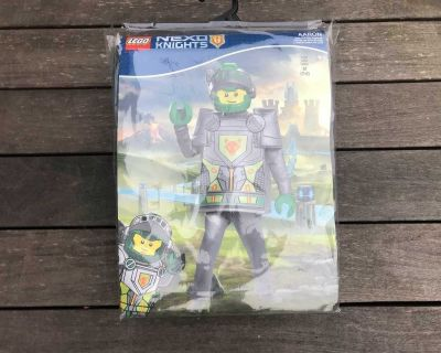 LEGO Nexo Knights Deluxe kids costume size M (7-8t). NEW in original packaging. Price is firm. *I do have 2 costumes same size.