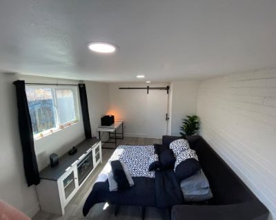 DOG FRIENDLY with PRIVACY and upgraded mattress :) - Peters View
