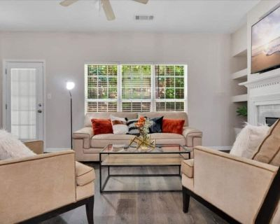 Nice cozy townhouse minutes from airport - Fulton County
