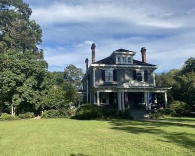 1901 Historic 3-story Home in Lafayette - Lafayette