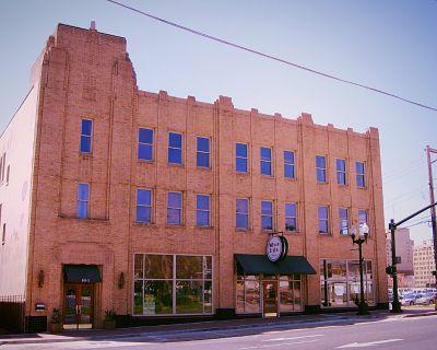 Hunter Building Office Suites in Shreveport CBD