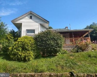 3 Bed 1 Bath Foreclosure Property in Grafton, WV 26354 - 441 Francis St