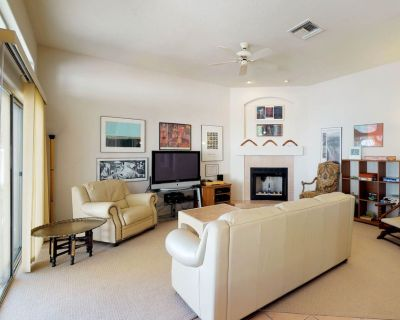 Spacious Tucson home w/ private patio, gas grill, close to downtown - Shadow View Estates
